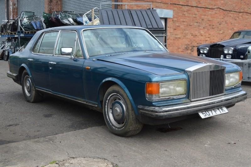 Rolls-Royce Silver Spirit : FSD-352