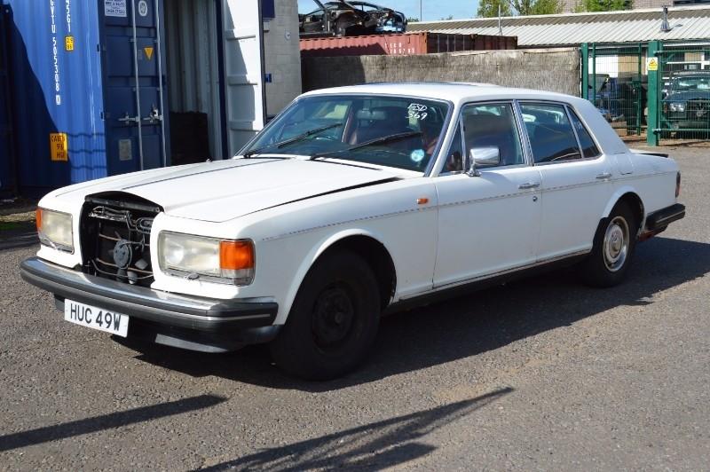Rolls-Royce Silver Spirit : FSD-369