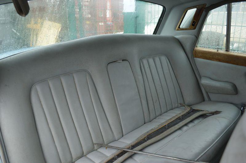 Rolls-Royce Silver Shadow  width=100%